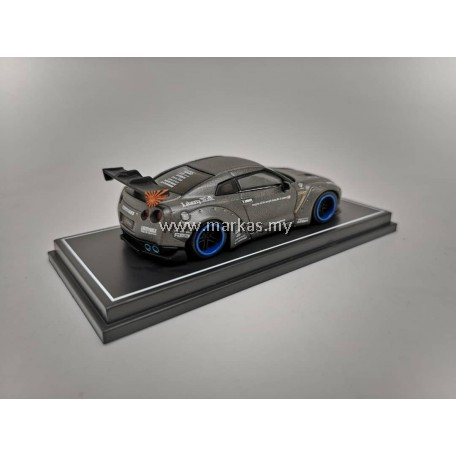 LB PERFORMANCE 1/64 LB NISSAN GT-R IRON GREY WITH SPARE RIMS & TYRE