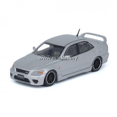 (PO) INNO MODELS INNO64 1/64 TOYOTA ALTEZZA RS200 Z-EDITION SILVER WITH EXTRA WHEELS & EXTRA DECALS SHEET